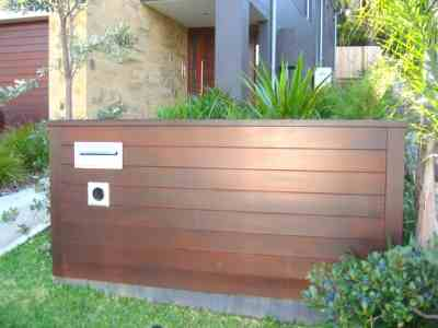 Custom-Mailbox-Timber-Screen